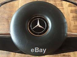 Original Mercedes-Benz W110 W113 W114 W115 Volant Noir avec Moyeu et Coussin