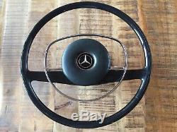 Original Mercedes-Benz W110 W113 W114 W115 W108 Volant avec Moyeu + Nabenpolster